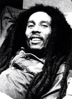 Bob Marley Legend, Reggae Bob Marley, Bob Marley Art, Bob Marley Pictures, Marley Family, Robert Nesta, Rock Poster, Nesta Marley, High Cheekbones