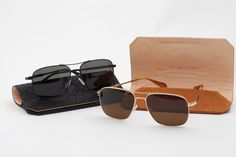 Oliver Peoples has p