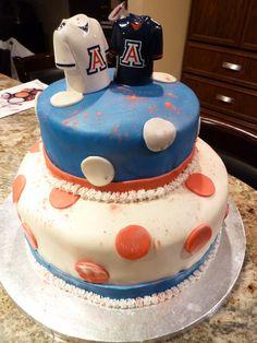U Delaware Blue Birthday Cake