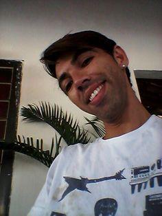 Um sorriso faz mudar qualquer tristeza sumir da nossa mente.