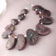 "270ct Rough Garnet Beads Garnet Pendants Raw Garnet Slices Garnet Nugget Beads Loose Garnet Gemstone Full 8"" Strand Free Ship GR1P0R0001 by UngarImpex on Etsy"