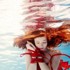 Elena Kalis - conceptual underwater photographer | 30 Art Works