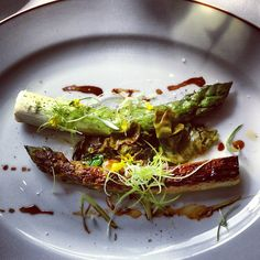 ALAIN PASSARD - L'ARPEGE @ici_maintenant  Passard is the absolute reigning King of #vegetables in Haute #Cuisine...  Asparagus, sorrel and geranium oil / Asperge, oseille, huile de géranium  Picture source: @ici_maintenant