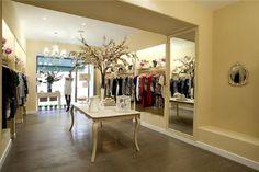 Resultado de imagen de muebles para tiendas de ropa