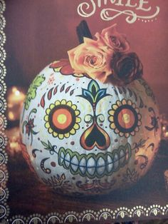 Dia de los muertos pumpkin Halloween Make, Halloween Party Decor, Halloween House, Holidays Halloween, Halloween Pumpkins, Halloween 2018, Sugar Skull Pumpkin, Pumpkin Art, Pumpkin Carvings