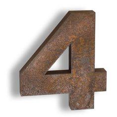 Cortenstahl-Buchstaben Natürlich. Wetterfest. Ausdrucksstark.  Cor-Ten-Stahl – oder wetterfester Baustahl bildet auf der Oberfläche durch Bewitterung eine Schicht, die die Corten-Buchstaben vor weiterer Korrosion schützt.  Rustic Steel letters and numbers