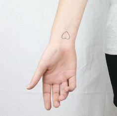 tinytattoo-minimalistyczne-tatuaze.jpg (597×592)
