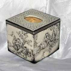 decoupage chusteczniki - Szukaj w Google Kleenex Box, Decoupage Box, Covered Boxes, Casket, Tissue Boxes, Shadow Box, Diy And Crafts, Candle Holders, Projects To Try