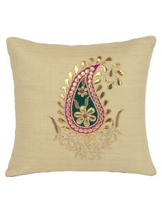 Cushion Embroidery, Hand Embroidery Flowers, Hand Work Embroidery, Embroidered Cushions, Indian Embroidery, Machine Embroidery Designs, Diy Cushion Covers, Cushion Covers Online, Cushion Cover Designs