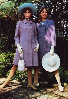 Colleen Colby and Lisa Palmer, Seventeen magazine, 1966 60s And 70s Fashion, Seventies Fashion, Timeless Fashion, Vintage Fashion, Retro Fashion, Purple Fashion, Timeless Beauty, 1960s Outfits, Classy Outfits