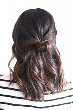 The Half-Up Knot via @byrdiebeauty
