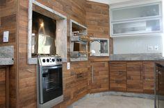 churrasqueira de alvenaria, forno a lenha revestidos com madeira de demolição - projeto NATANAEL FELIPE... fale conosco!!!