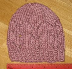 Free Knitting Pattern - Preemie Clothes: Juliet Preemie Hat Love this pattern but link doesn't seem to take you to the pattern :( Baby Hats Knitting, Arm Knitting, Baby Knitting Patterns, Baby Patterns, Knitted Hats, Crochet Patterns, Stitch Patterns, Crochet Baby, Knit Crochet