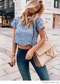 Blue jeans, blue top and a nice bag 2018