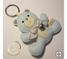 GATTINI PANNOLENCI CARTAMODELLO delivers online tools that help you to stay in control of your personal information and protect your online privacy. Felt Keychain, Keychains, Bear Felt, Felt Baby, Baby Zimmer, Felt Decorations, Felt Christmas Ornaments, Toy Craft, Felt Fabric