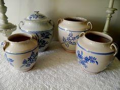 Pots à graisse du Sud Ouest à fleurs bleues