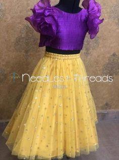 Baby dress design indian 15 Ideas for 2019 Baby Girl Dress Design, Girls Frock Design, Kids Frocks Design, Baby Frocks Designs, Dress Girl, Kids Lehanga Design, Lehanga For Kids, Kids Party Wear Dresses, Kids Dress Wear