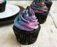 sparkly cupcakes :)