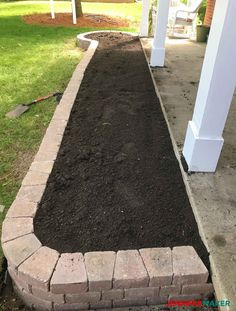 , DIY Retaining Wall Construction for a Beautiful Garden - Jennifer Maker. , DIY Retaining Wall Construction for a Beautiful Garden Retaining Wall Construction, Diy Retaining Wall, Landscaping Retaining Walls, Outdoor Landscaping, Front Yard Landscaping, Landscaping Edging, Landscaping Company, Garden Retaining Walls, Walled Garden