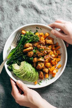 Recipe // Chicken Breasts + Broccoli Florets + Sweet Potatoes + Sea Salt + Pepper + Seasoning Mix + Avocado + Hummus + Lemon Juice + Chives + Olive Oil