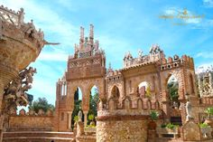 Spectacular castle in Benalmadena in Spain #castle #Spain #Malaga #Benalmadena #Columbus #discovery #monument #architecture #America #Europe #travel #summer #holiday #day trip #learn #fun for children #dogs allowed