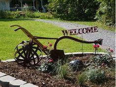 Image result for landscaping with antique farm equipment Rusty Garden, Garden Junk, Garden Yard Ideas, Lawn And Garden, Patio Ideas, Rooftop Garden, Fence Ideas, Outdoor Garden Statues, Outdoor Art