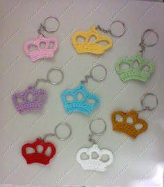 Chaveiro Coroa em crochê  #coroa #coroacroche #lembrancinhacoroa #chaveirolembrancinha