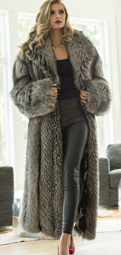 Long Fur Coat, Fur Coats, Gros Pull Mohair, Fur Coat Fashion, Fabulous Fox, Fox Fur Jacket, Blazer, Dress To Impress, Sexy Women