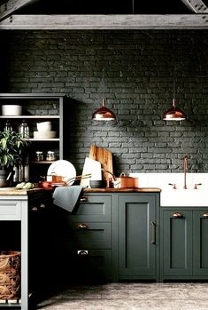Top 10 Luxury Kitchen Ideas Probably everyone would love to have luxury kitchen at some point of their lives. If you currently feeling like that, you are at the great place! Check our top 10 luxury kitchen ideas. Green Kitchen Walls, Dark Green Kitchen, Dark Green Walls, Green Kitchen Cabinets, Dark Cabinets, Brass Kitchen, Kitchen Units, Kitchen Small, Country Kitchen