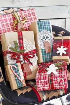 Adorable Bazaar Crafts 50 Easy Christmas Crafts For Adults To Make Diy Ideas For Holiday with [keyword # Inexpensive Christmas Gifts, Christmas Crafts For Adults, Christmas Craft Projects, Christmas Gift For You, Christmas Gift Wrapping, Outdoor Christmas Decorations, Simple Christmas, Holiday Crafts, Christmas Diy