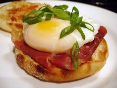 Ways to Use Up Leftover Hamburger and Hot Dog Buns: Breakfast Sandwiches
