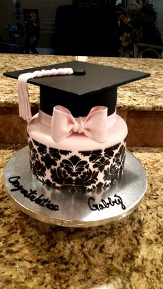 Damask Graduation Cake on Cake Central Pretty Cakes, Cute Cakes, Beautiful Cakes, Amazing Cakes, Decoration Patisserie, Kolaci I Torte, Novelty Cakes, Elegant Cakes, Occasion Cakes