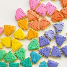 Pastel gem cookies are totally a food group. Fancy Cookies, Fox Cookies, Iced Cookies, Cute Cookies, Royal Icing Cookies, Yummy Cookies, Sugar Cookies, Rainbow Bread, Colored Cookies