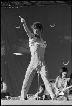 The Rolling Stones – Oakland, 1978 (Michael Zagaris) – Rock Music Mick Jagger Rolling Stones, Pop Rock Music, Ron Woods, Moves Like Jagger, Like A Rolling Stone, Judas Priest, Hommes Sexy, Rock Legends, Keith Richards