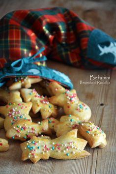 Biscotti che si preparano a Lucca e nella sua provincia, in occasione della festività dell'Epifania, per inserirli nella Calza della Befana come dono ai bimbi. Sono semplici e profumano d'Arancia, praticamente irresistibili… Lucca, Biscotti, Feels, Cookies, Desserts, Christmas, Crack Crackers, Tailgate Desserts, Xmas