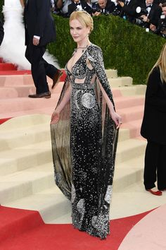 The 2016 Met Gala Red Carpet: Nicole Kidman in Alexander McQueen