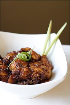 Lemongrass Chicken, so yummy and easy to make. This lemongrass chicken pairs so well with steamed rice. http://rasamalaysia.com