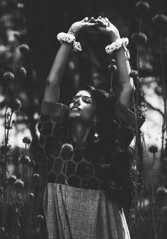 roha india designer designerwear organic cotton earthy fashion editorial indian inspired bindi free flowing garments rhea gupte the girl from FUSS indian accessories oxidized one with nature forest kurta kurti dresses tunics Indian Fashion Bloggers, Earthy Fashion, Earthy Style, Indian Accessories, One With Nature, Bindi, Lovely Dresses, Kurti, Editorial Fashion