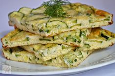 Frittata cu dovlecei si marar - CAIETUL CU RETETE Baby Food Recipes, Cooking Recipes, Baking Bad, Vegetarian Recipes, Healthy Recipes, Vegan Foods, Zucchini, Food And Drink, Appetizers