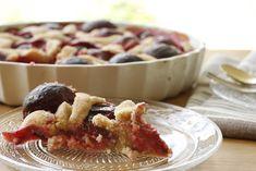 plum cake (plum, butter), what efrat Plum Pie, Plum Tart, Snack Recipes, Dessert Recipes, Snacks, Biscuits, Cake Cookies, Tea Time, French Toast