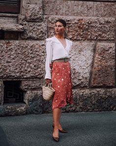 Italian Chic, Sequin Skirt, Instagram Posts, Skirts, Outfits, Paris, Fashion, Moda, Skirt