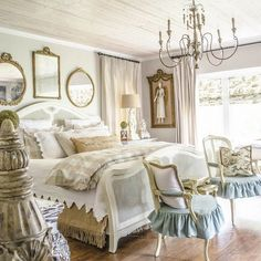 36 Simply French Country Home Decor Ideas. Simply French Country Home Decor There is no doubt about it; the French do have a style that many other nations around the world try […] French Country Kitchens, French Country Living Room, French Country Bedrooms, French Country Farmhouse, French Country Style, Country Bathrooms, Farmhouse Style, Bedroom Country, French Country Bedding