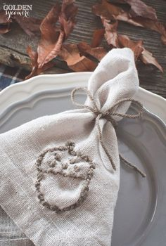 The Golden Sycamore, Embroidered Fall Napkins, 20 Ways to Make Thanksgiving Extra Special Thanksgiving Projects, Thanksgiving Table, Fall Arrangements, Applique Monogram, Fall Home Decor, Fall Crafts, Sewing Crafts, Napkins, Embroidery