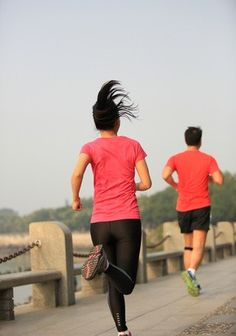 Choosing the Perfect Running Outfit http://www.leggic.com/en/spandex-clothes/38/choosing-the-perfect-running-outfit/