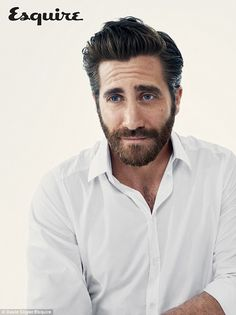 Appearing in a photo shoot for Esquire UK, Jake Gyllenhaal sports a white shirt by Dolce & Gabbana. Jake Gyllenhaal, Mode Masculine, Esquire Uk, Robin, Actrices Hollywood, Most Handsome Men, Bearded Men, Hairy Men, Gorgeous Men