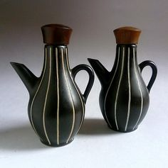 Tibor Reich rare Tigo Ware oil and vinegar pots. Ceramic Jugs, Stoneware, Vintage Modern, Mid-century Modern, Denby Pottery, Vintage Thrift Stores, Condiment Sets, Egg Holder, Ceramic Design