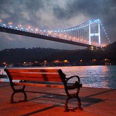 Istanbul gece /@revolutionship #istanbul #gece