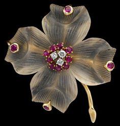 14 karat yellow gold rock crystal, ruby and diamond brooch, Tiffany & Co… Gems Jewelry, Pearl Jewelry, Jewelery, Vintage Jewelry, Fine Jewelry, Unique Jewelry, Diamond Brooch, Gold Brooches, Pink Sapphire