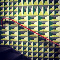 Azulejos de Maria Keil, metro de Lisboa @Alqui Lirianoán. Objetos viejos (Alquián) 's Instagram photos