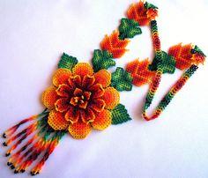 Huichol flower necklace by Aramara on Etsy (www.etsy.com/uk/people/Aramara)